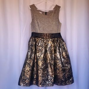 Iris & Ivy Gold and Black Special Occasion Dress